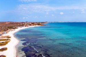a picture of an aerial view of the beach at boca catalina in north-west Aruba