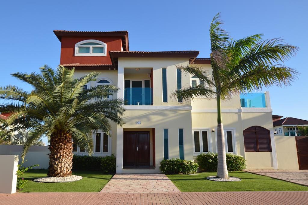 a picture of the merlot rental villa in aruba, one of the eight best beachfront rental villas in Aruba